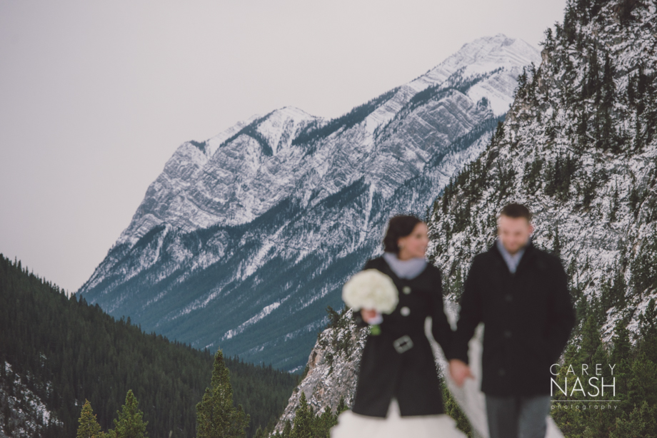 Rocky Mountauntain Wedding - Buffalo Mountain Lodge wedding - Luxury Mountain Wedding - Rock the dress-26