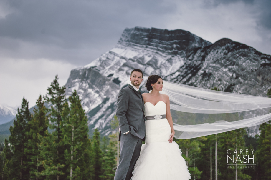 Rocky Mountauntain Wedding - Buffalo Mountain Lodge wedding - Luxury Mountain Wedding - Rock the dress-28