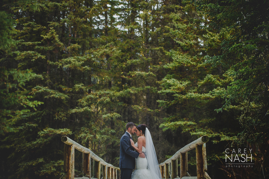 Rocky Mountauntain Wedding - Buffalo Mountain Lodge wedding - Luxury Mountain Wedding - Rock the dress-3