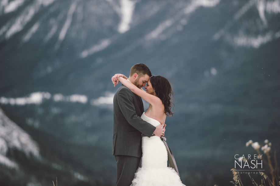 Rocky Mountauntain Wedding - Buffalo Mountain Lodge wedding - Luxury Mountain Wedding - Rock the dress-58