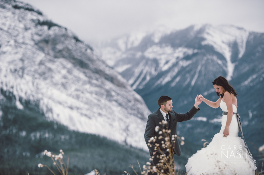 Rocky Mountauntain Wedding - Buffalo Mountain Lodge wedding - Luxury Mountain Wedding - Rock the dress-59