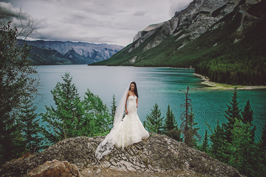 Banff Springs Hotel Wedding _ luxury Wedding - Destination Weding - Lynn Fletcher (25 of 48)