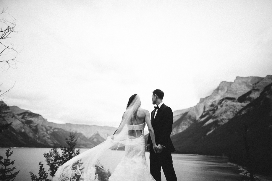 Banff Springs Hotel Wedding _ luxury Wedding - Destination Weding - Lynn Fletcher (26 of 48)