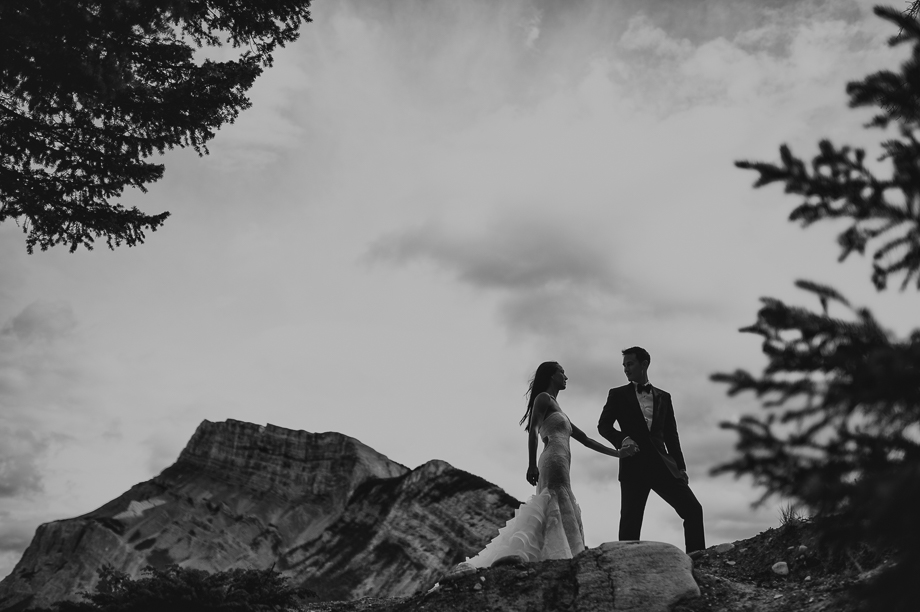 Banff Springs Hotel Wedding _ luxury Wedding - Destination Weding - Lynn Fletcher (30 of 48)