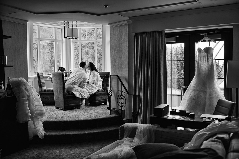 Banff Springs Hotel Wedding _ luxury Wedding - Destination Weding - Lynn Fletcher (41 of 48)