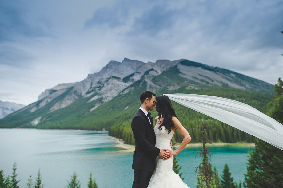 Banff Springs Hotel Wedding _ luxury Wedding - Destination Weding - Lynn Fletcher (5 of 48)