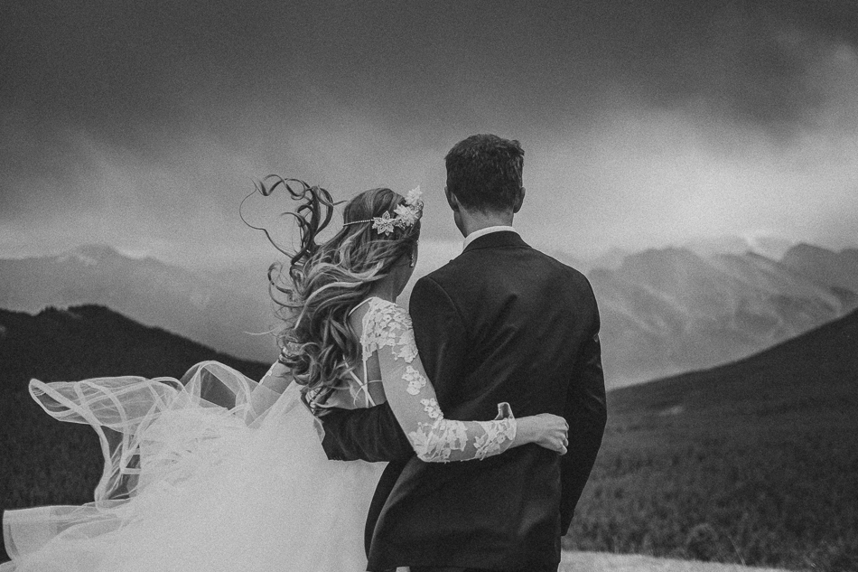 jasper-park-lodge-wedding-rockies-heli-wedding-adventure-session-jasper-wedding-1-of-43