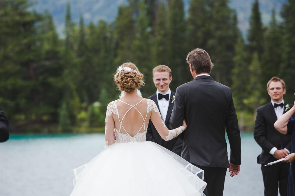 jasper-park-lodge-wedding-rockies-heli-wedding-adventure-session-jasper-wedding-16-of-43