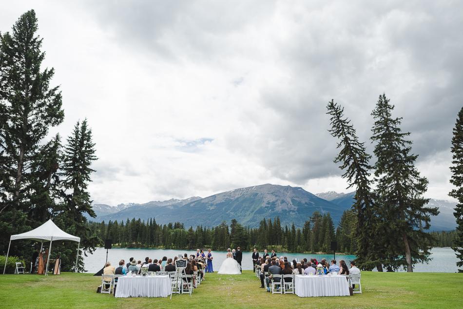 jasper-park-lodge-wedding-rockies-heli-wedding-adventure-session-jasper-wedding-18-of-43