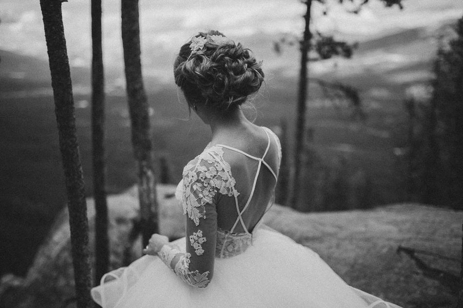 jasper-park-lodge-wedding-rockies-heli-wedding-adventure-session-jasper-wedding-25-of-43