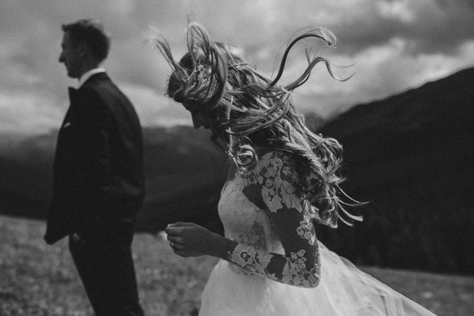 jasper-park-lodge-wedding-rockies-heli-wedding-adventure-session-jasper-wedding-35-of-43