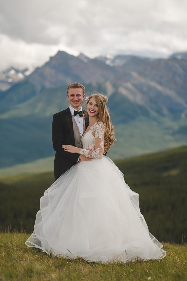 jasper-park-lodge-wedding-rockies-heli-wedding-adventure-session-jasper-wedding-41-of-43