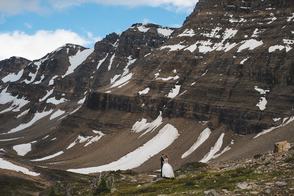 jasper-park-lodge-wedding-rockies-heli-wedding-adventure-session-jasper-wedding-5-of-43