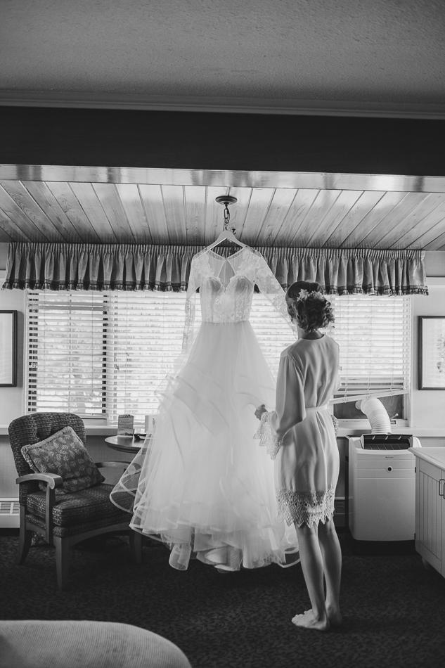 jasper-park-lodge-wedding-rockies-heli-wedding-adventure-session-jasper-wedding-9-of-43