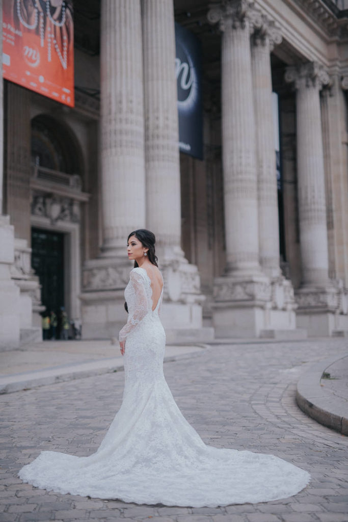 art gallery wedding in Paris