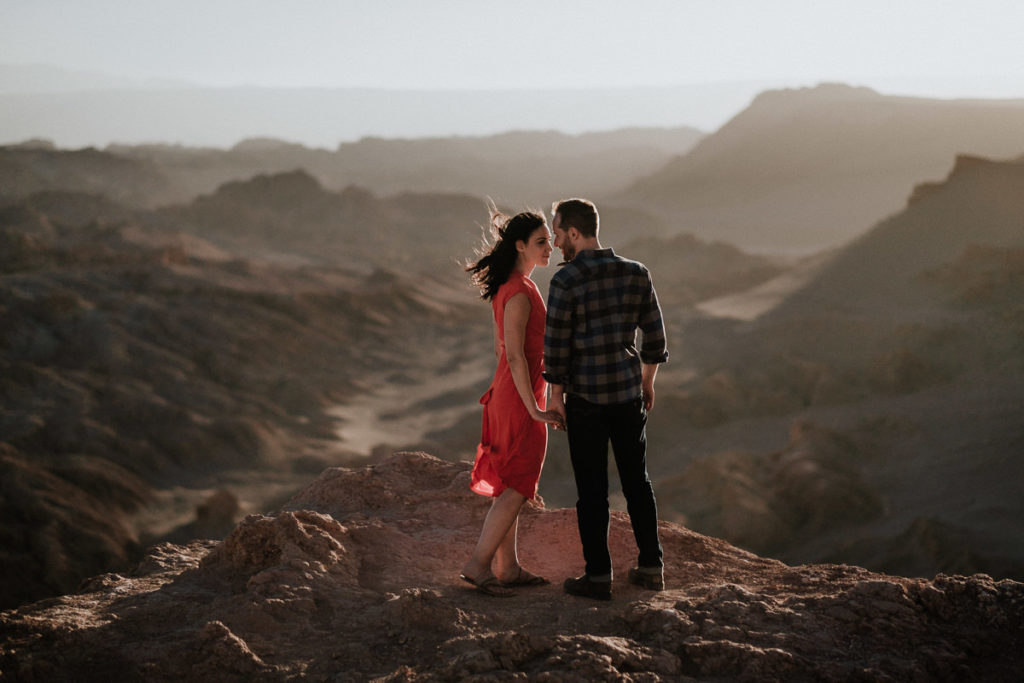 Engaged couple get photos done in the breathtaking chilean desert landscape