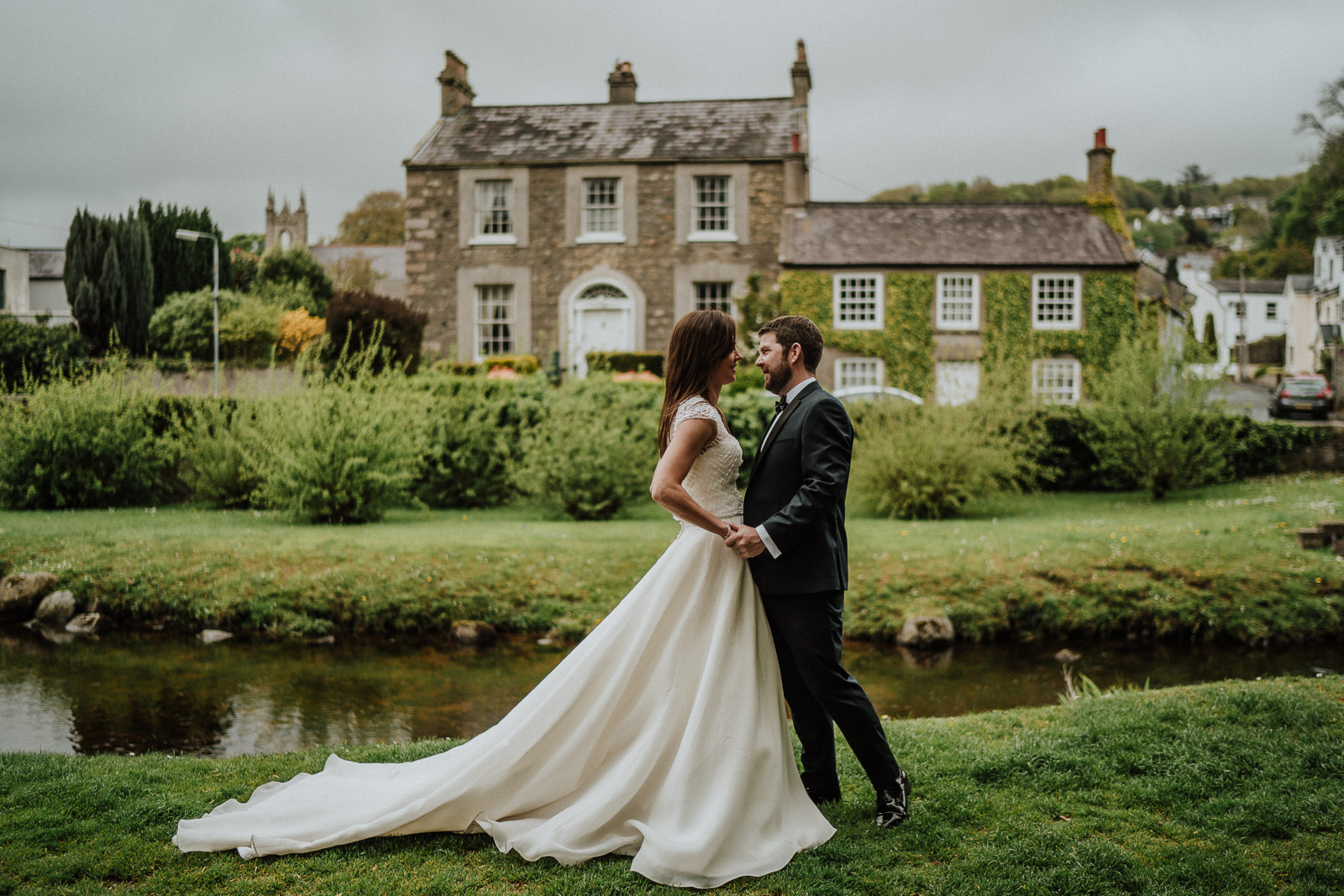 wedding couple in old english town