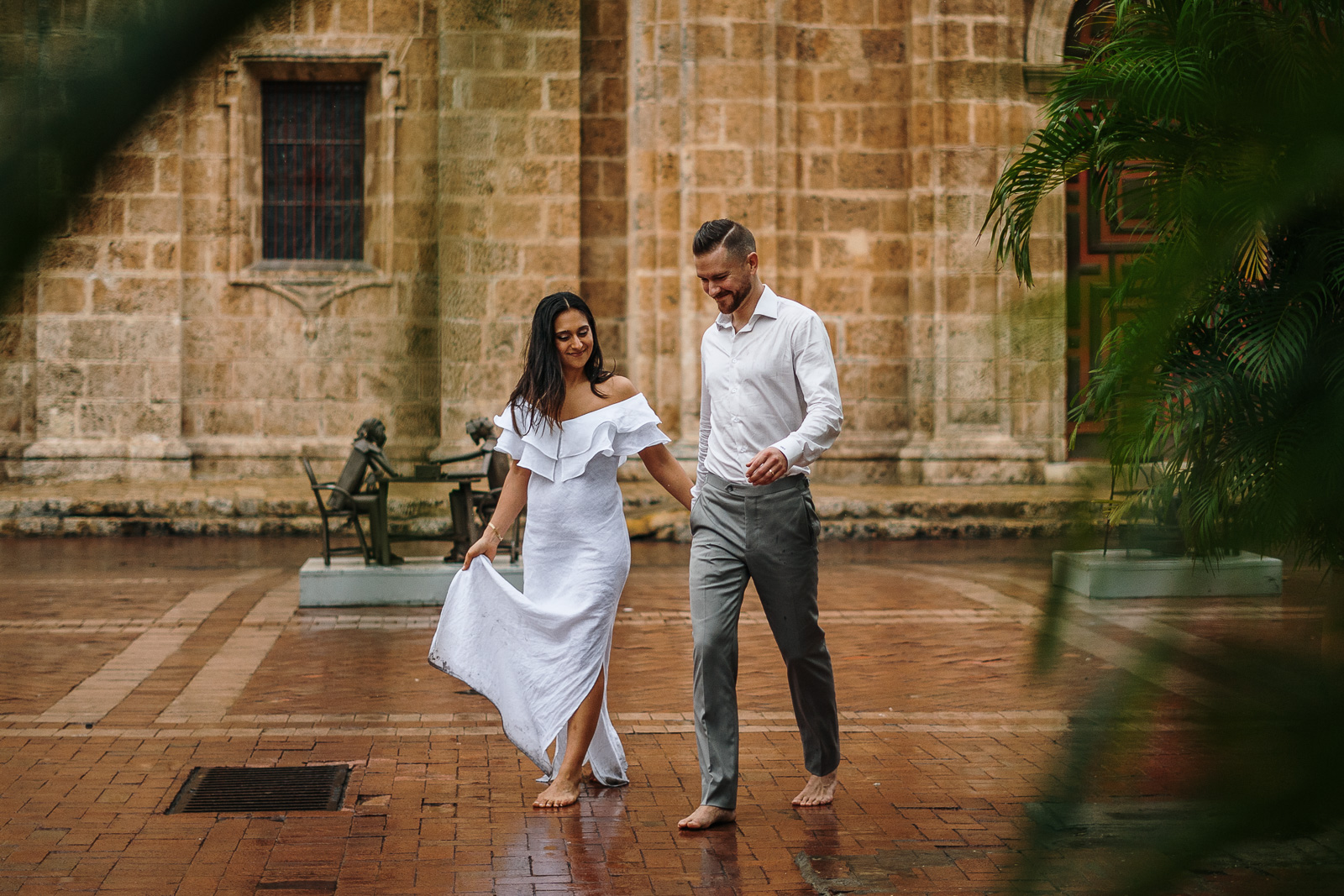 bride and groom walking in colombia
